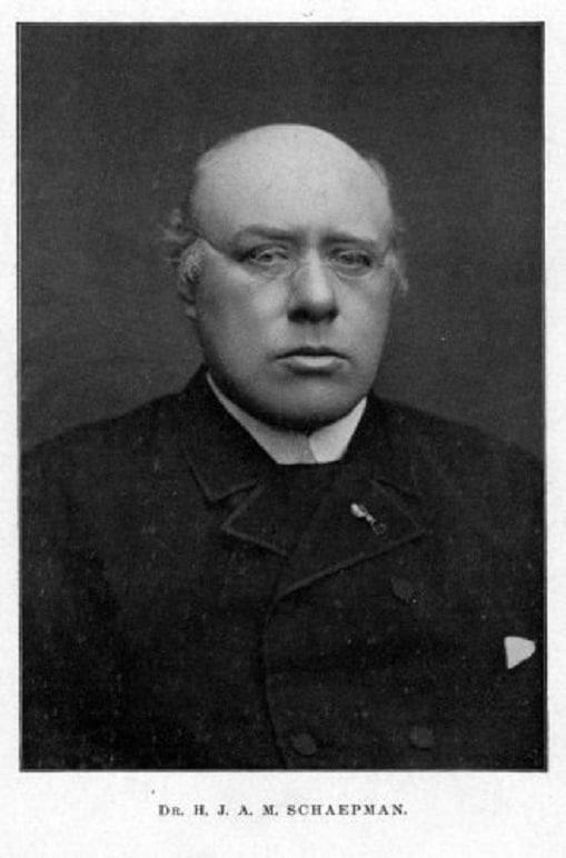 De Priester-politicus: Een Achterhaald Idee
